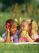 kids_fruit_ARS