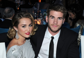 miley-cyrus-liam-hemsworth-june6-engaged