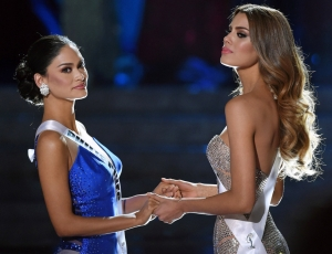 Miss Columbia crowned Miss Philippines Steve Harvey Mistake Apology